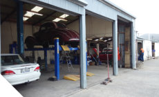 Large workshop for servicing trucks,buses and tractors